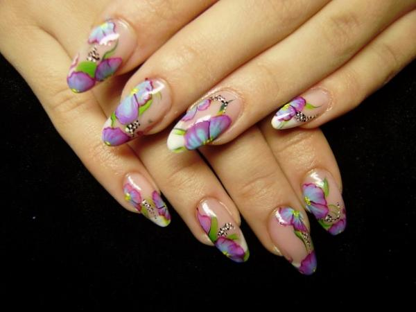посмотреть дизайн ногтей: